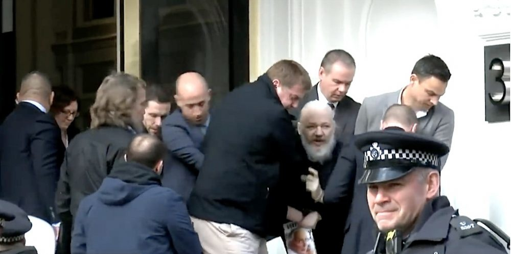 ob 199e29 assange arrestation2